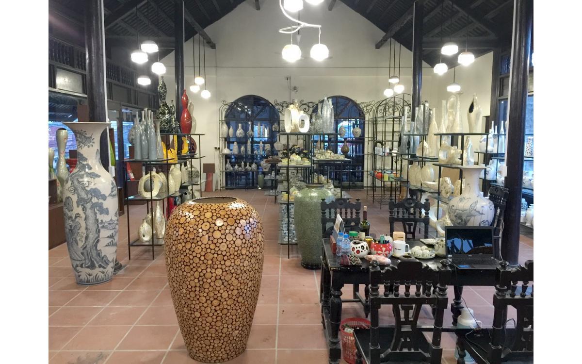 Khai trương Showroom bán hàng
